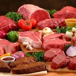 Raw meat is also a healthy natural cat food diet